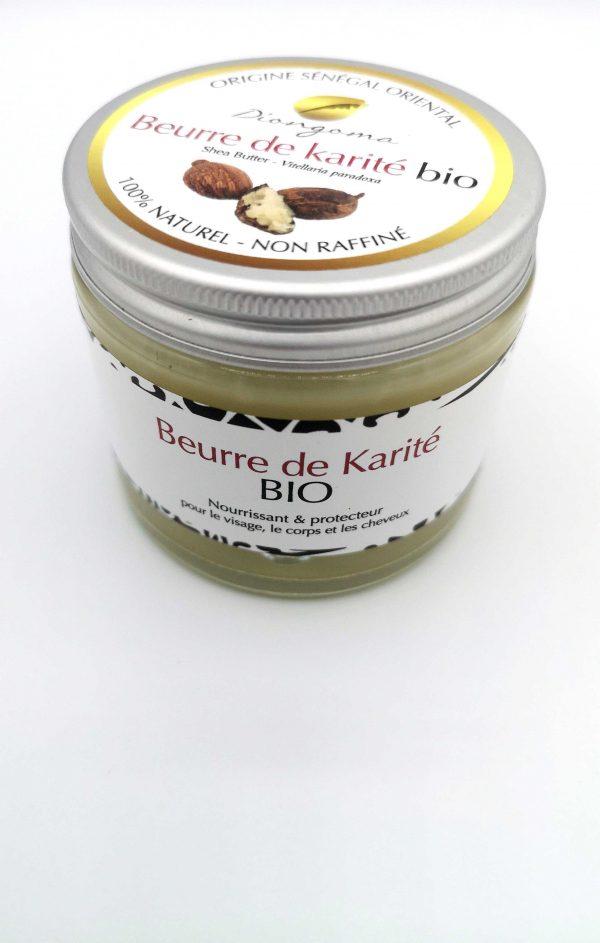 Un pot de Beurre de Karité