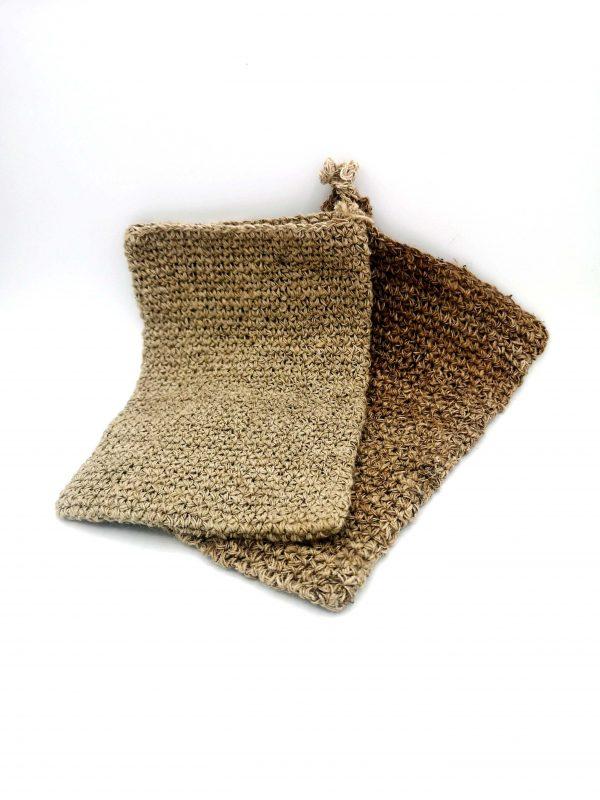 Des Gant de toilette en fibres d'orties